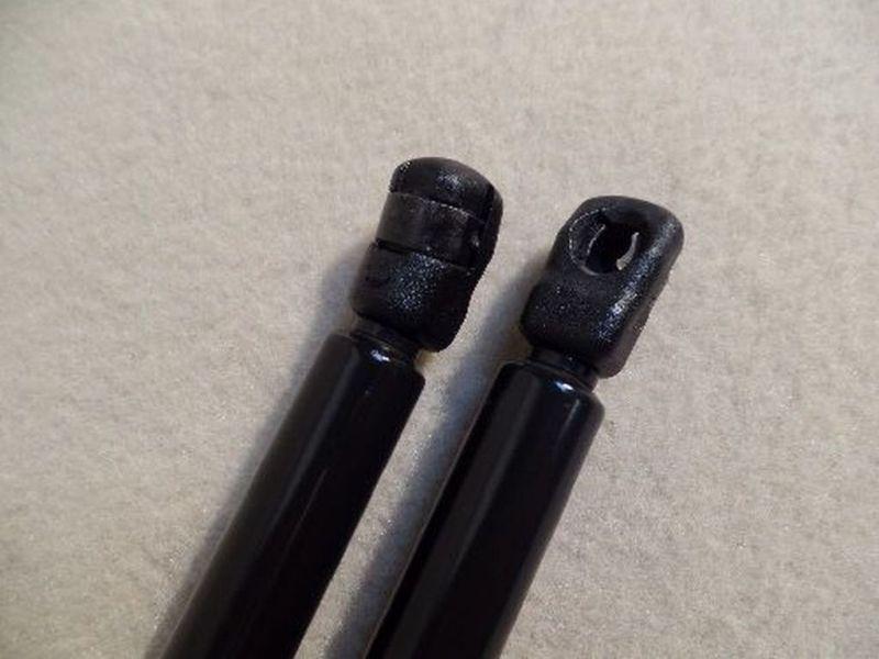 Heckklappendämpfer Links und Rechts  SEAT AROSA (6H) 1.4 44 KW
