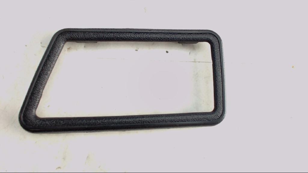 MK2  Rahmen FÜR Türinnengriff Hinten Rechts VW Golf  321837247 Bild 1