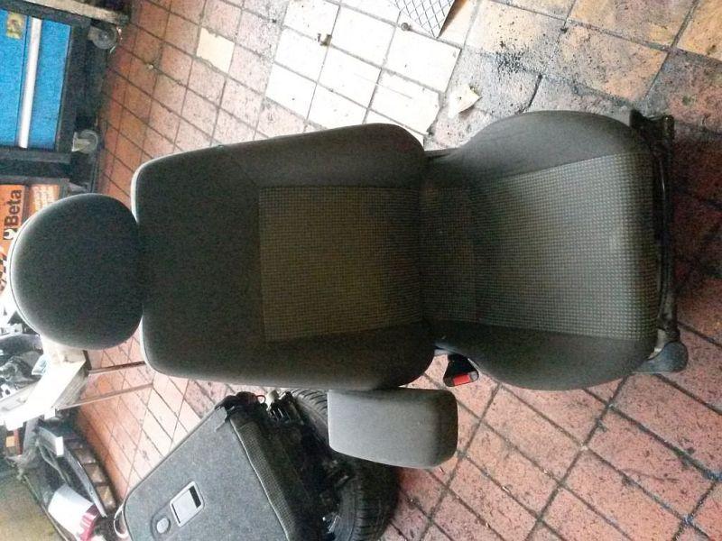 Vordersitz Stoff nicht klappbar mit Airbag links vorn Sitz links vorne mit Armlehne OPEL MERIVA 1.7 CDTI 74 KW